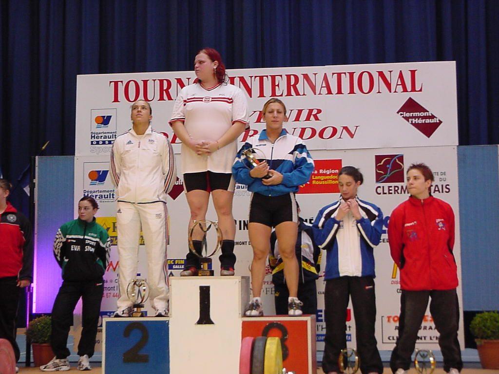 Podium féminin : 1ère Agata WROBEL Pologne, 2ème Souad DINARD France et 3ème Françoise LASSOUANI Algérie